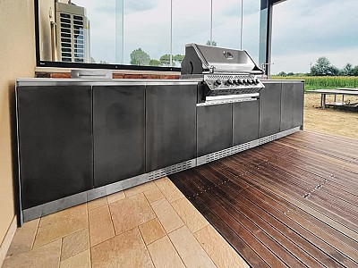 Are outdoor kitchens convenient and comfortable only in summer?